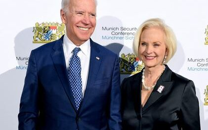 Arizona Republicans Fortify Allegiance to Trump, Censure GOP Leaders who Backed Biden